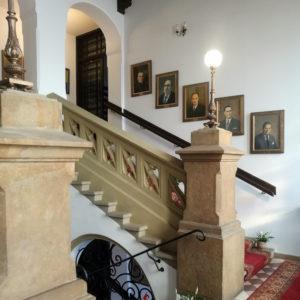 Portrety schody